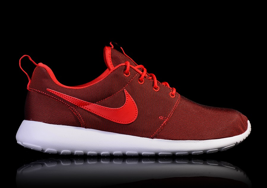 29322cf881a69 NIKE ROSHE ONE PREMIUM UNIVERSITY RED price €82.50