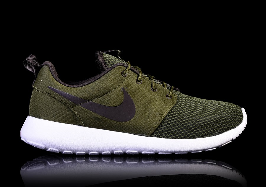 f915eea01d831 NIKE ROSHE ONE LEGION GREEN price €82.50 | Basketzone.net
