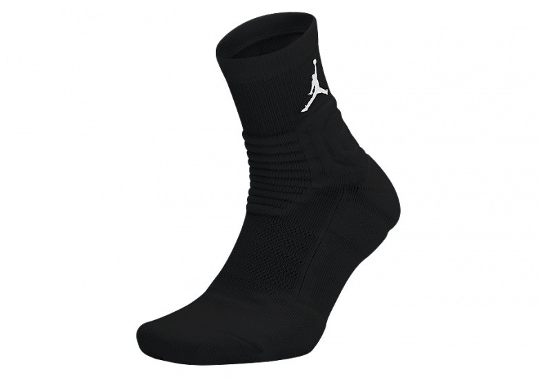 NIKE AIR JORDAN ULTIMATE FLIGHT QUARTER 2.0 SOCKS BLACK