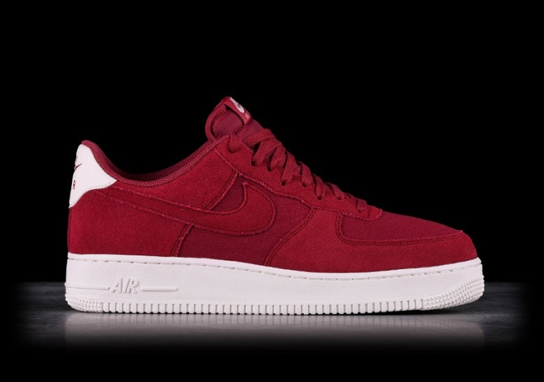 timeless design 99434 92a8a NIKE AIR FORCE 1  07 SUEDE RED CRUSH