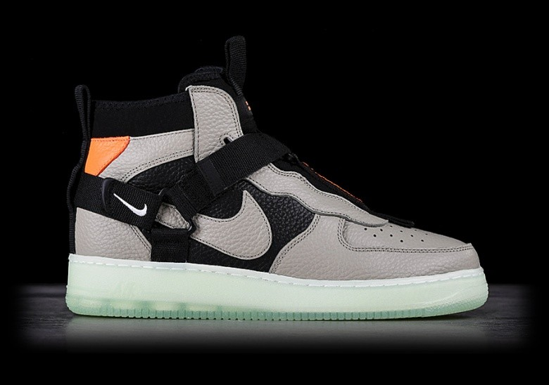 new concept fd5e8 297a8 NIKE AIR FORCE 1 UTILITY MID SPRUCE FOG