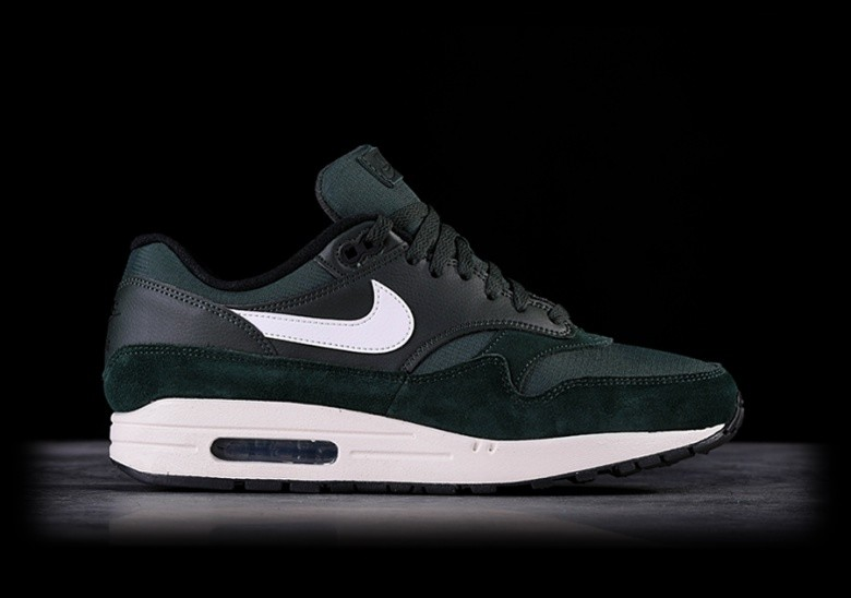 NIKE AIR MAX 1 OUTDOOR GREEN