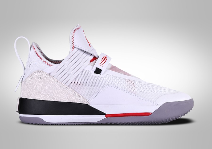 NIKE AIR JORDAN 33 LOW SE WHITE CEMENT für €147,50 | Basketzone.net